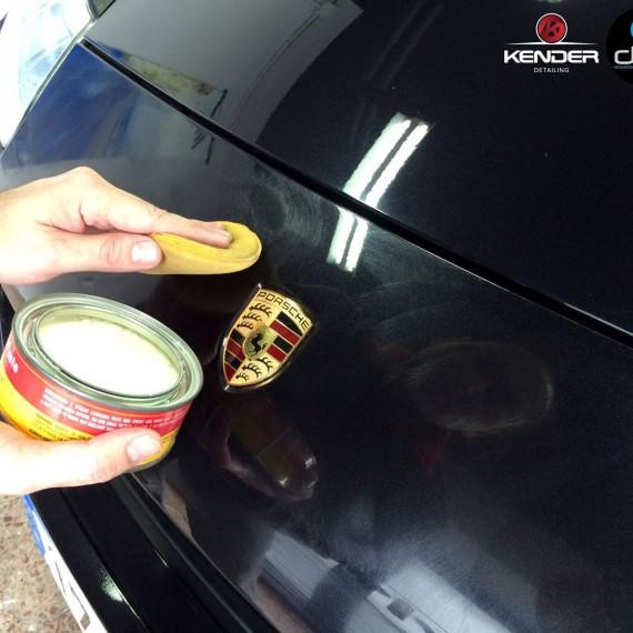 Aplicando Cera de Carnauba a un Porsche Cayenne S