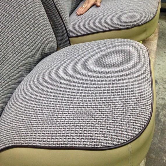 Retapizado de asientos de este Seat 600.