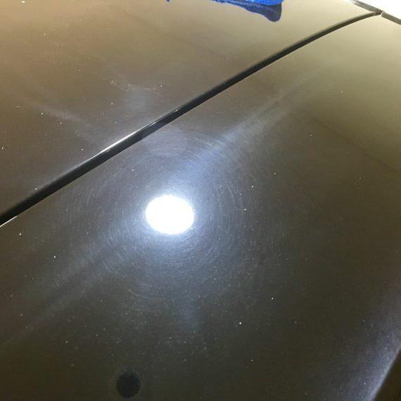 Estado inicial de pintura antes de realizar un Proceso de Pulido de pintura en este Golf VII GTI.