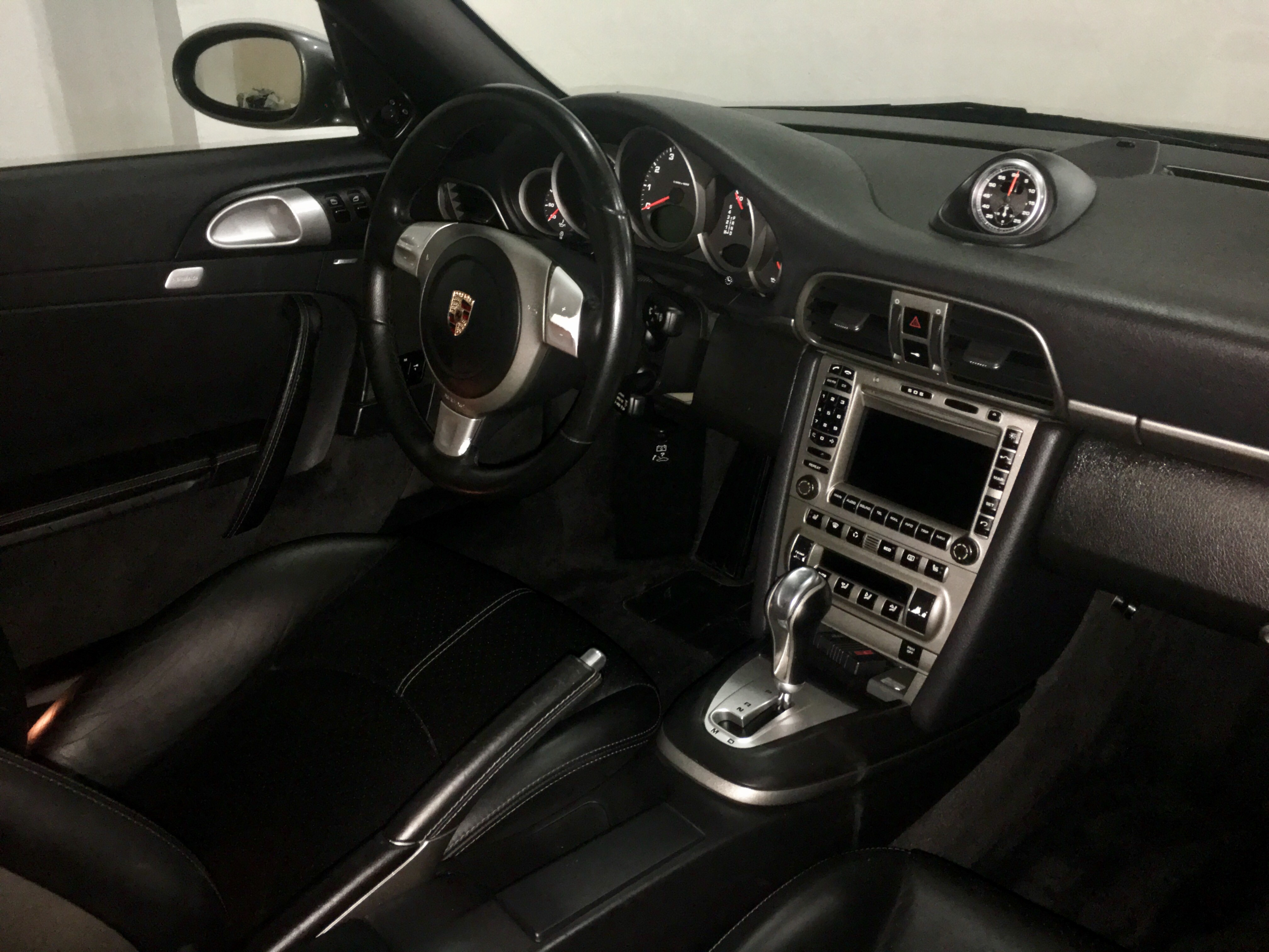 Vista general del Interior de nuestro Porsche 911 completamente Detallado.