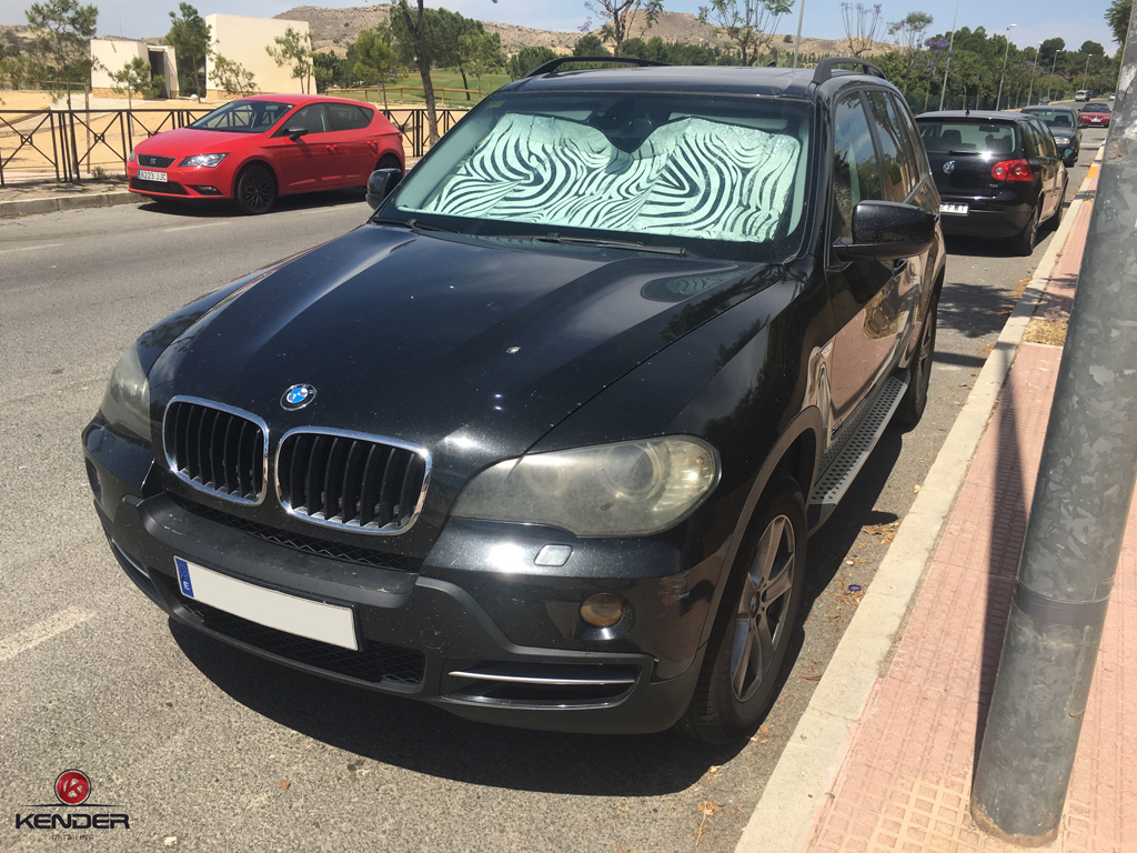 Estado inicial de nuestro BMW X5 antes de pasar por un proceso de Descontaminado y Pulido Intensivo.