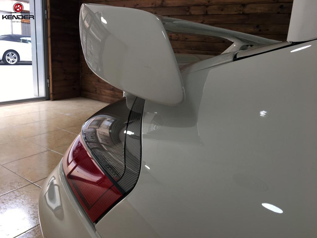 Vista trasera de este Porsche 911 Turbo después de realizar un Pulido Intensivo de Carrocería.